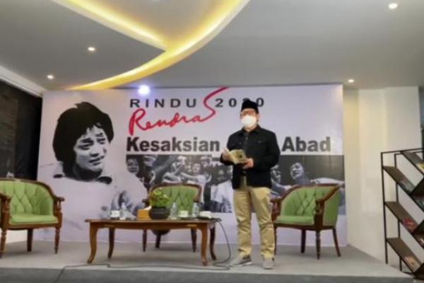 Inspirasi bagi Indonesia, Gus AMI Baca Puisi 'Inilah Saatnya' Karya Rendra