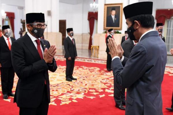 Presiden Jokowi Minta Sandiaga Uno Gerak Cepat Benahi Sektor Pariwisata