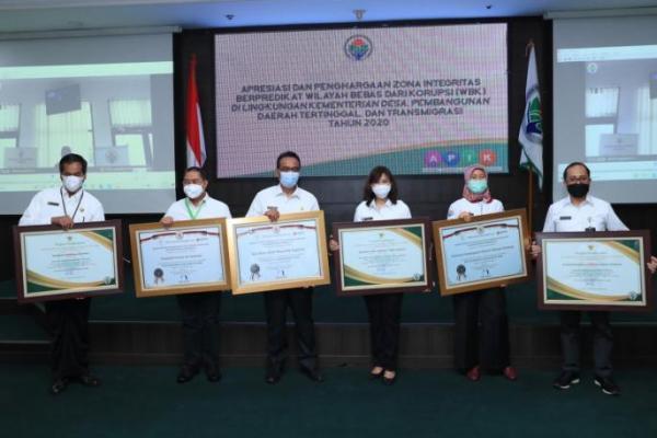Kemendes PDTT Raih Predikat Zona Integritas Wilayah Bebas Korupsi