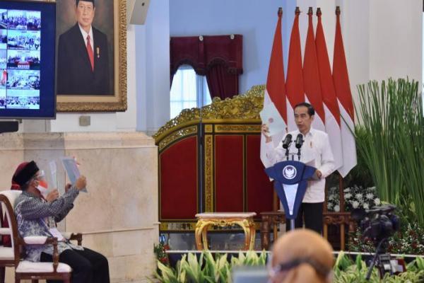 Di Tengah Pandemi, Jokowi Tetap Lanjutkan Program Sertifikat Tanah