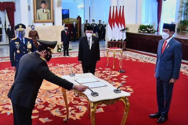 Presiden Jokowi Lantik Listyo Sigit Prabowo Jadi Kapolri