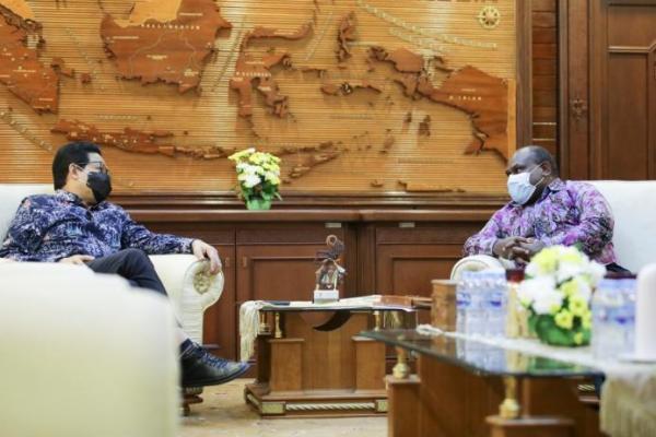 Temui Gus Menteri, Bupati Paniai Papua Ingin Lepas dari Status Daerah Tertinggal
