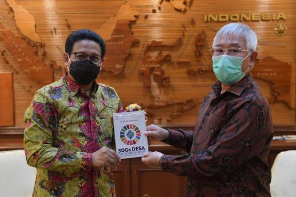 Gus Menteri dan Bupati Johan Gonga Bahas Pemberdayaan Desa di Kepulauan Aru