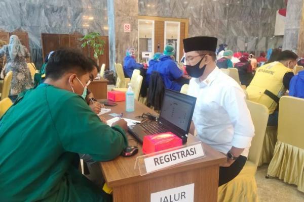 Kang Maman Imanulhaq Ajak Masyarakat Sukseskan Vaksinasi Covid-19