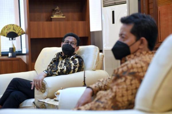 Gus Menteri Ajak Kampus Sunan Ampel Surabaya Majukan Desa