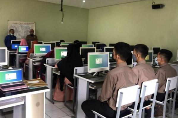 Kemenag Gelar Seleksi Program Beasiswa Santri Berprestasi