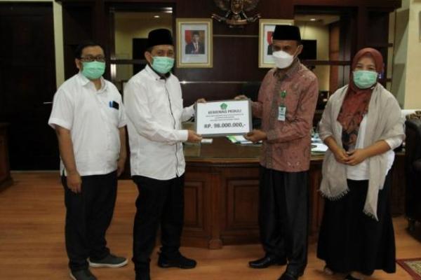 Kemenag Salurkan Bantuan ke Korban Banjir NTT
