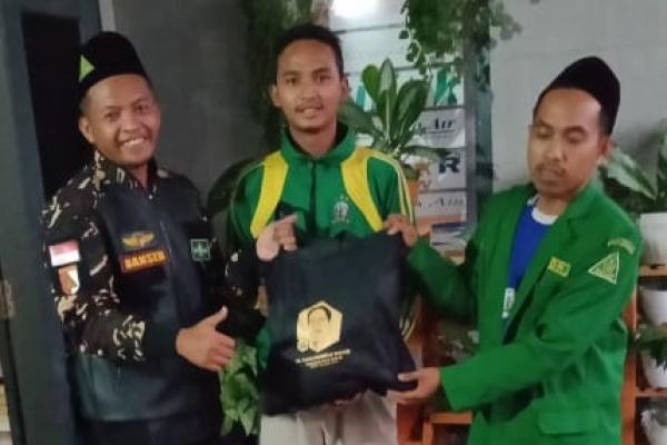 Sekjend PKB Salurkan Ribuan Paket Sembako untuk Warga Malang Raya