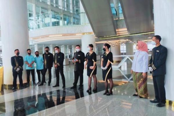 BNSP Sertifikasi Kompetensi 93 Tenaga Kerja Nuanza Hotel Cikarang