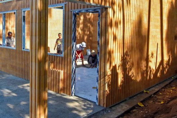 Tahan Gempa, Sekolah Dibuat dari Bata Daur Ulang Plastik di Lombok, NTB