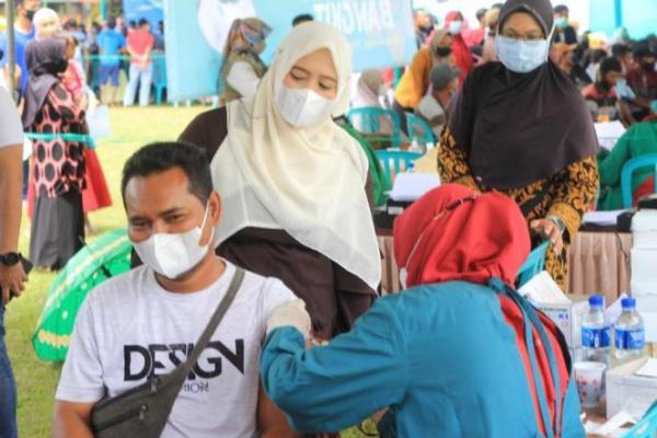 Vaksin Indonesia Bangkit, Nihayatul Wafiroh: PKB Sudah Salurkan 100.000 Dosis