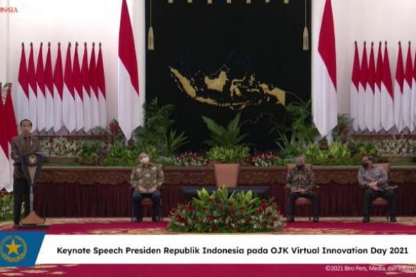 Presiden Jokowi Minta OJK Jaga dan Kawal Perkembangan Keuangan Digital